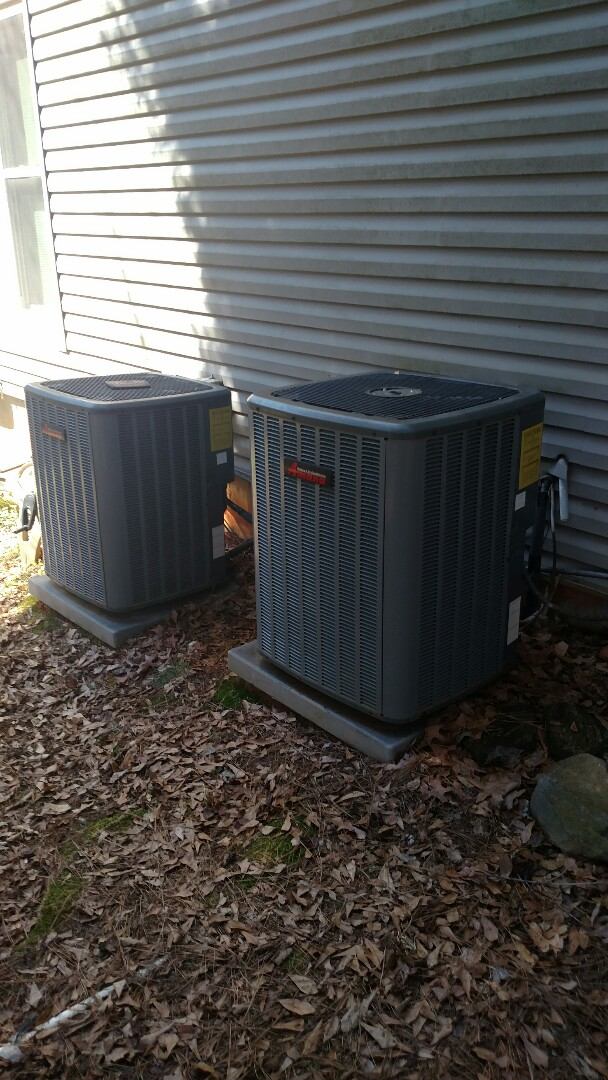 Oakwood, GA - Performing cooling maintenance on these two Amana 14 seer heat pumps. We are local and in or near this area on a daily basis. We serve you and your family with honesty and integrity. We service all brands like Carrier Bryant Lennox Comfortmaker Nordyne Tappan Westinghouse Trane American standard Ruud Rheem Heil Amana Goodman Daikin GMC Whirlpool weather king.
