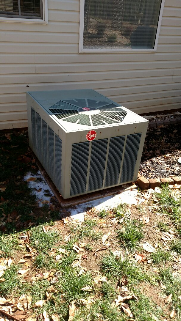 Braselton, GA - Performing cooling maintenance on this 14 year old Rheem 10 seer heat pump system. Chemical flushing condenser coils and checking freon readings. Testing electrical components and changing 20x20x1 pleated filter. We are local and in or near this area on a daily basis. We service all brands like Carrier Bryant Lennox Comfortmaker Nordyne Tappan Westinghouse Trane American standard Ruud Rheem Heil Amana Goodman Daikin GMC Whirlpool weather king. Amana warranty repair.