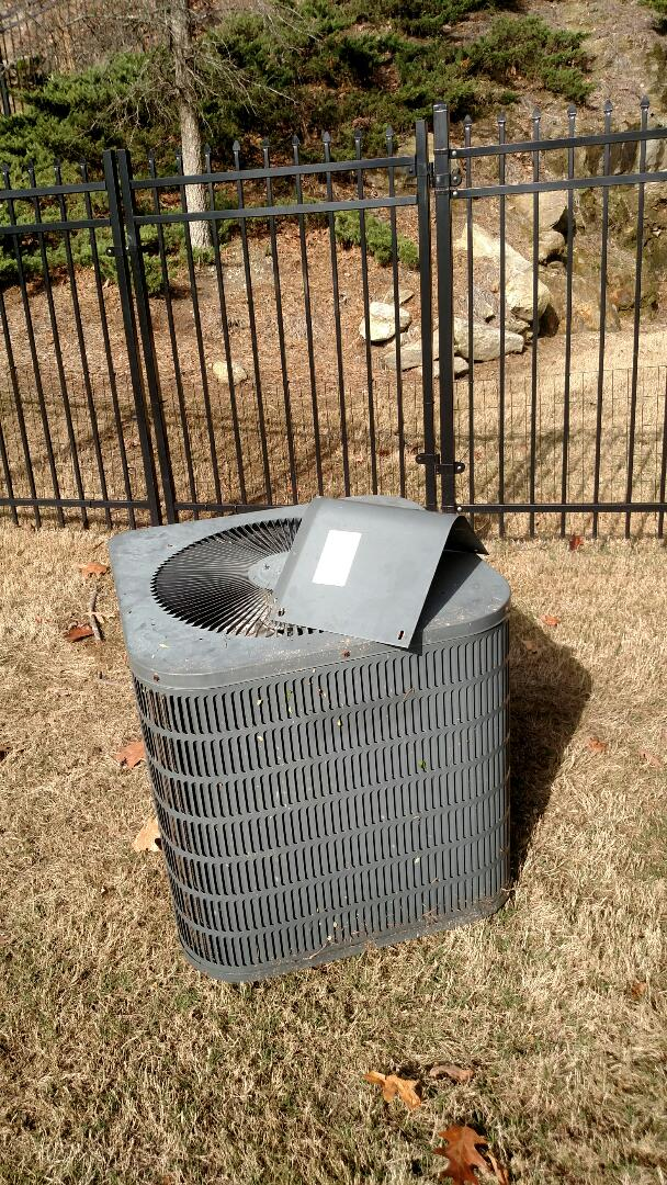 Flowery Branch, GA - Replacing this 10 year old Goodman air conditioner with a new 14 seer Amana air conditioner. We are also replacing the evaporator coil which is required. We service all brands like Carrier Bryant Lennox Comfortmaker Nordyne Tappan Westinghouse Trane American standard Ruud Rheem Heil Amana Goodman Daikin GMC Whirlpool weather king. We are local and in or near this area on a daily basis. We serve Hall County and some of the surrounding areas. Best customer service in town.