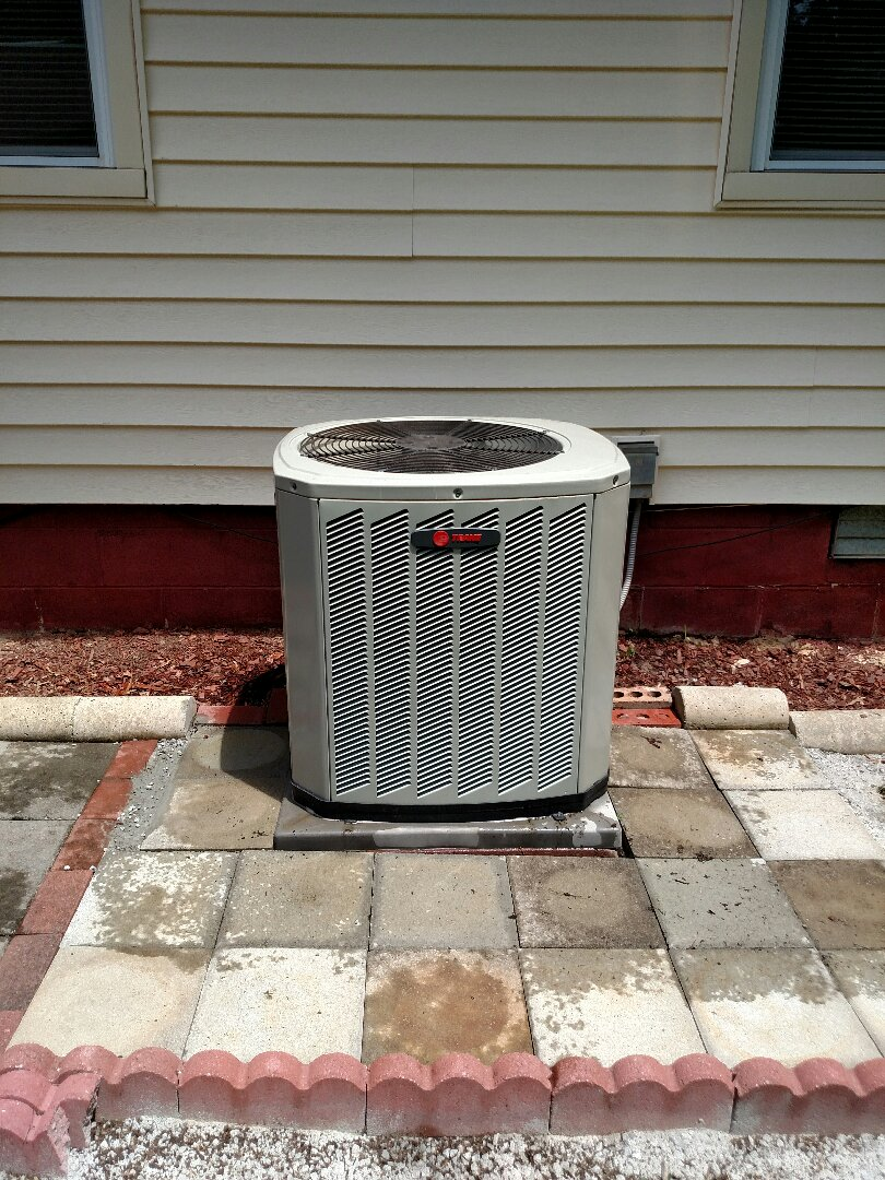 Gainesville, GA - Fine tuning this 3 year old Trane central heat pump that someone else installed. We service all brands like Carrier Bryant Lennox Comfortmaker Nordyne Tappan Westinghouse Trane American standard Ruud Rheem Heil Amana Goodman Daikin GMC Whirlpool weather king. We serve you and your family with honesty and integrity. We have been servicing this area for over 14 years. We are local and in or near this area on a daily basis.