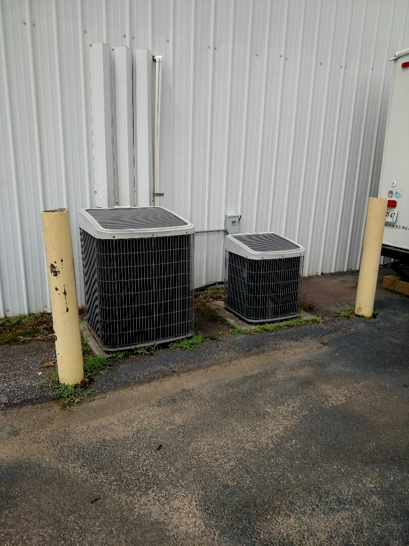 Oakwood, GA - Performing cooling check on these two 16 year old central heat pump system. We serve you and your family with honesty and integrity. We service all brands like Carrier Bryant Lennox Comfortmaker Nordyne Tappan Westinghouse Trane American standard Ruud Rheem Heil Amana Goodman Daikin GMC Whirlpool weather king Tempstar. We are local and in or near this area on a daily basis. We are your professional residential heating and air conditioning company.