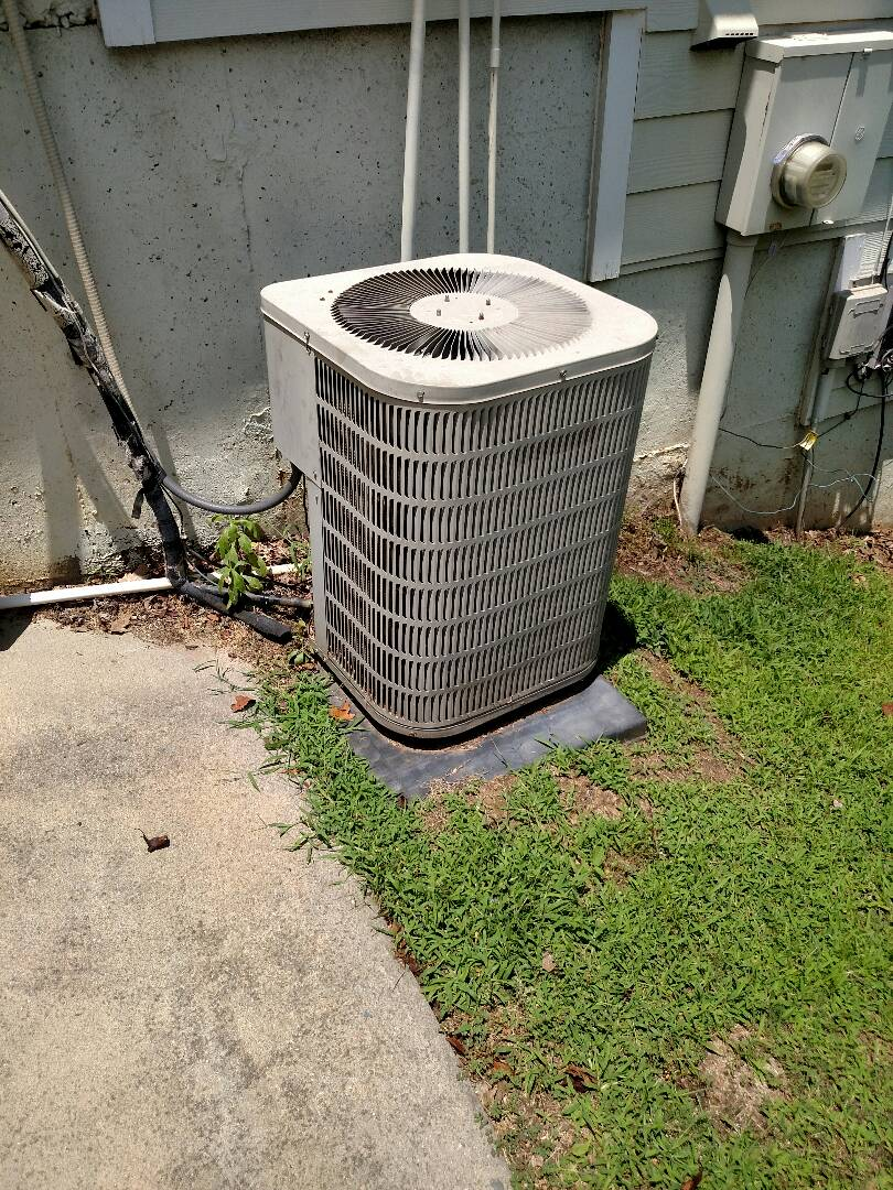 Flowery Branch, GA - This 15 year old Goodman central heating and air conditioning system needs to be replaced due to a internal restriction in the freon circuit. We install quality Amana heating and air conditioning equipment. We are local and in or near this area on a daily basis. We service all brands like Carrier Bryant Lennox Comfortmaker Nordyne Tappan Westinghouse Trane American standard Ruud Rheem Heil Amana Goodman Daikin GMC Whirlpool weather king Tempstar Armstrong Coleman.