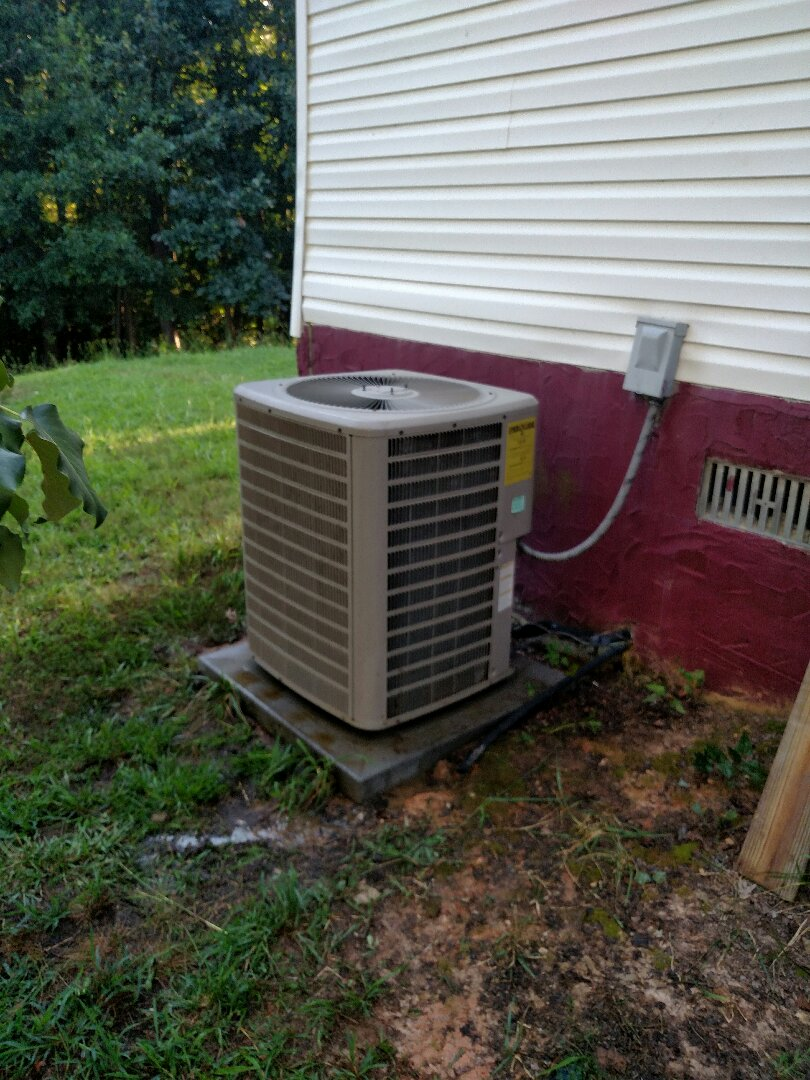 Gainesville, GA - Performing cooling check on this 6 year old 13 seer 3.5 ton Amana Distinctions central heat pump system that we installed on this mobile home. We are local and in or near this area on a daily basis. Condenser fan motor had went bad and was not cooling. We service Hall County and the surrounding areas. Honestly and integrity in the HVAC business. We service all brands like Carrier Bryant Lennox Comfortmaker Nordyne Tappan Westinghouse Trane American standard Ruud Rheem Heil Amana Goodman.