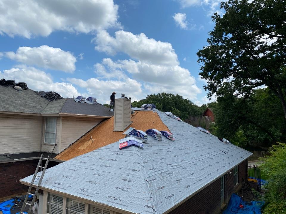 Arlington, TX - Roof going up In Arlington, Texas. Roofers in Arlington, TX. Contractors, Arlington, Tx
