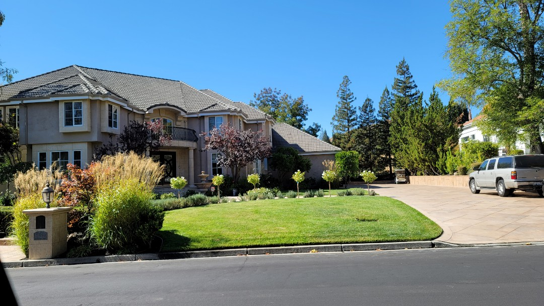 Danville, CA - Forgot to get picture of the back of this home facing west, with no shade when they barbecue.  Suggested a Sunesta Retractable Awning with the 5' vertical drop screen.