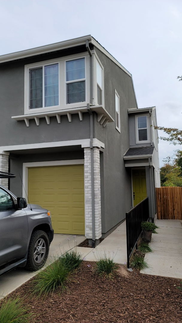 Sacramento, CA - The back of this house needs  Sunesta Retractable Awning,  with a 5' drop screen.