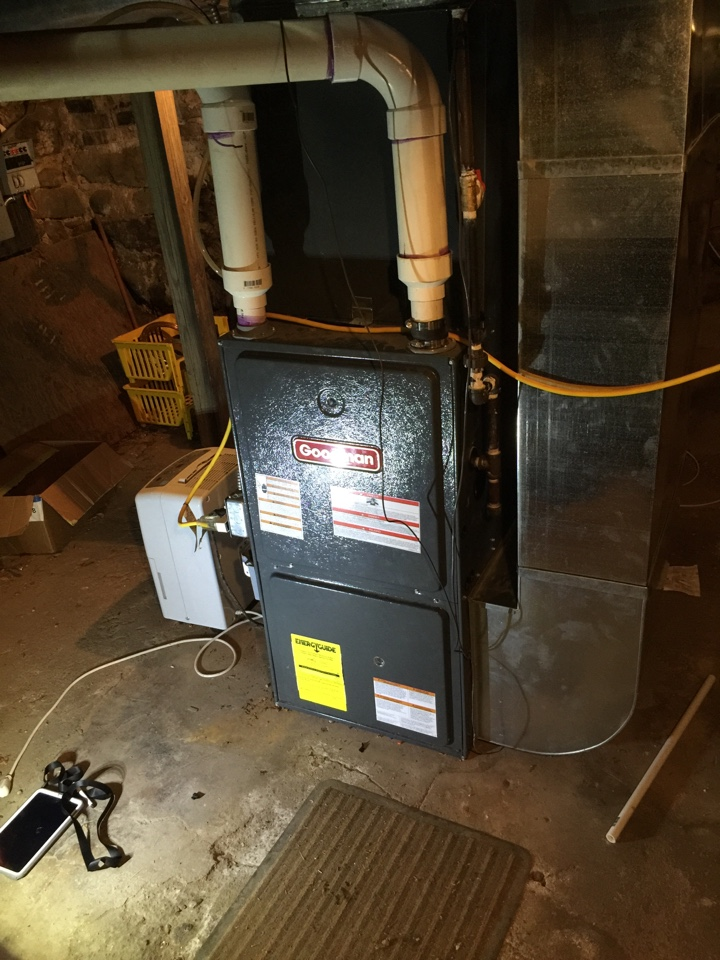 East Leroy, MI - No Heat Repair on a Goodman GMH95 Furnace, did a Performance Tune up and a Draft Inducer replacement the draft inducer was under warranty.