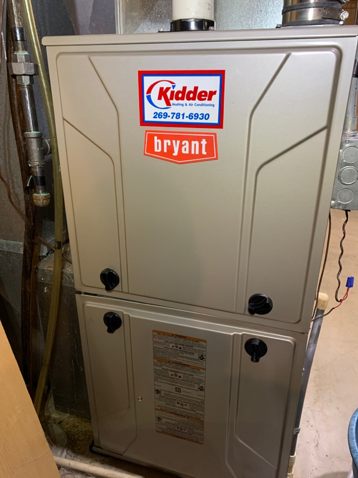 Marshall, MI - Performed tune up on Bryant gas furnace, kidder heating cleaning of flame sensor adjusted tuberlators. Replacement of thermostat.