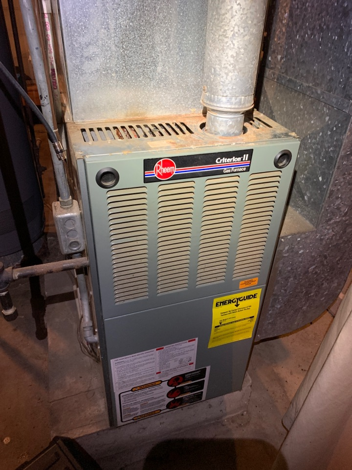 Battle Creek, MI - Furnace tune up Rheem gas heater.