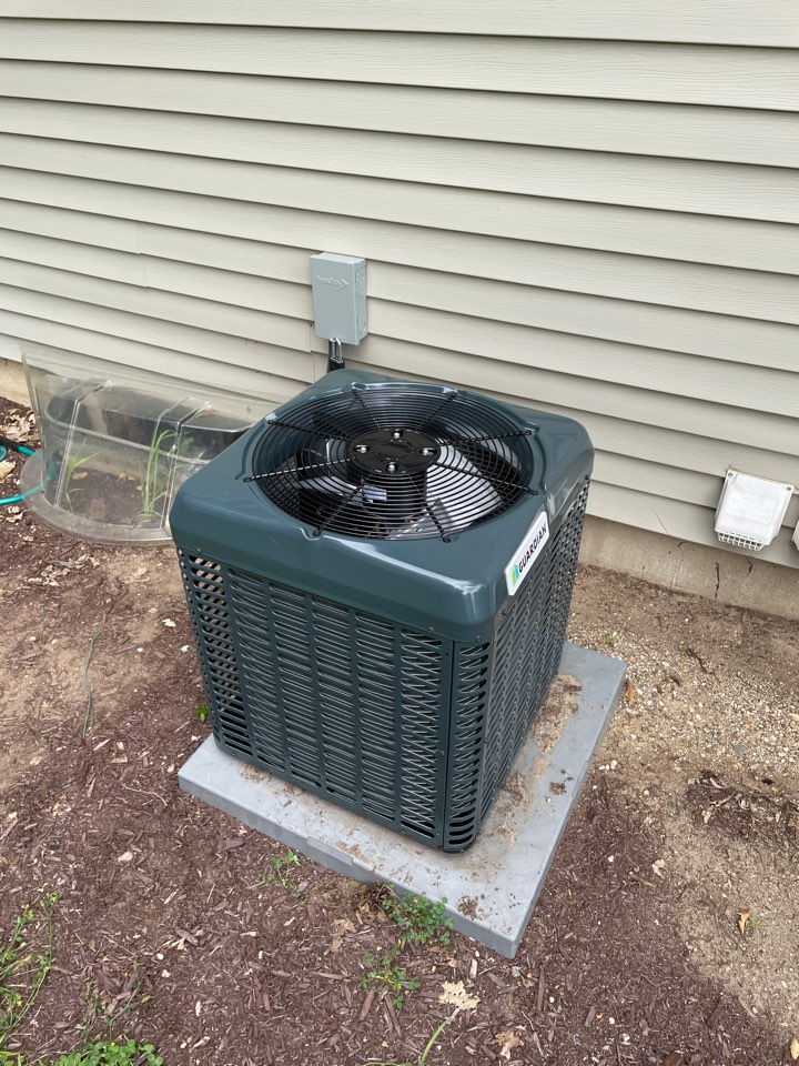 Replacement of a Guardian condenser.