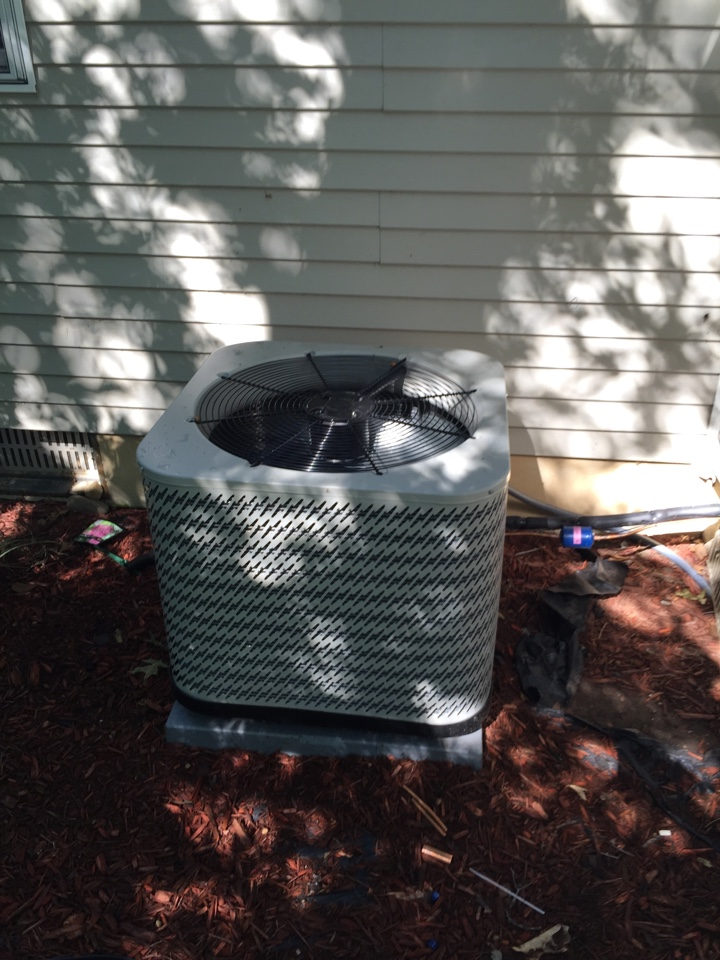 East Leroy, MI - Added freon to this AC Unit.