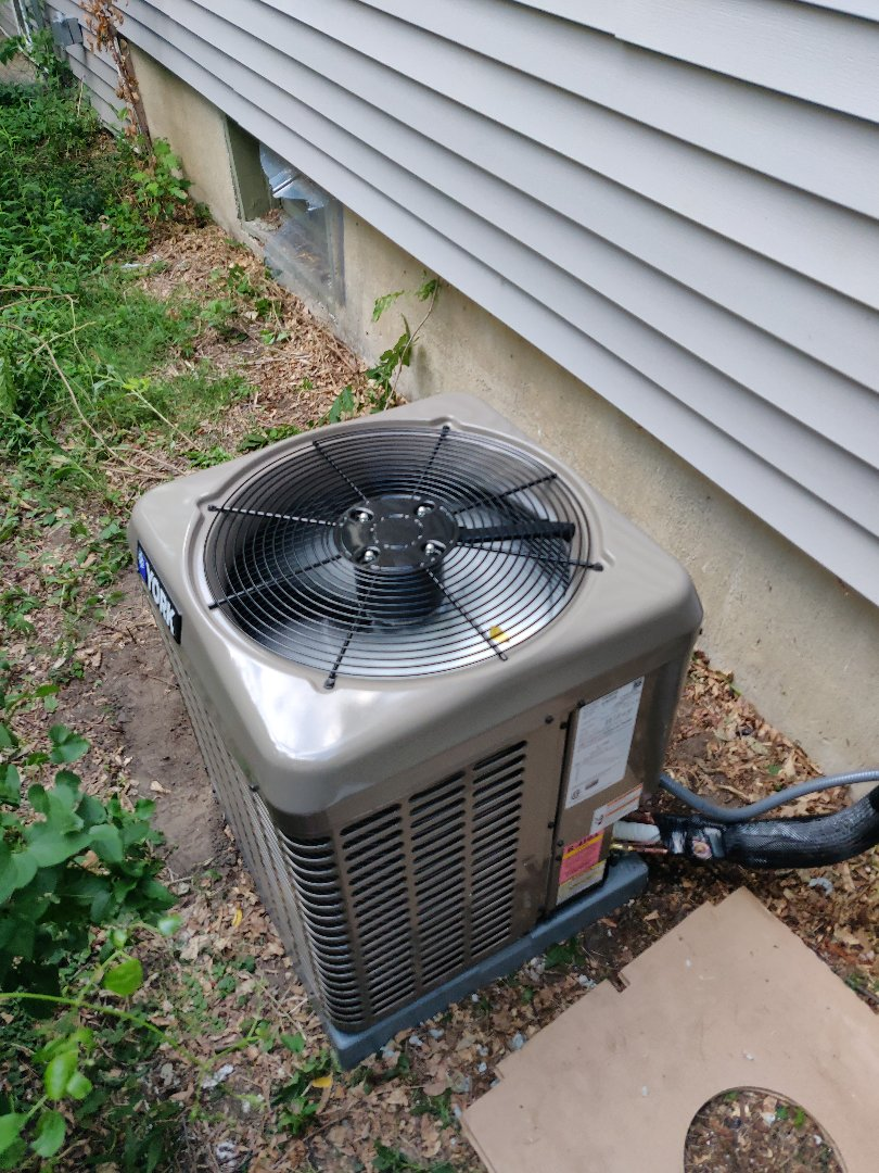 Battle Creek, MI - Replacement of old account with a York ycd24b21sa and a new furnace tm9e06