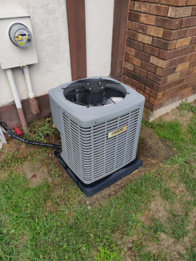 Battle Creek, MI - Ac tune up on a Luxaire TCJD30S41S3A