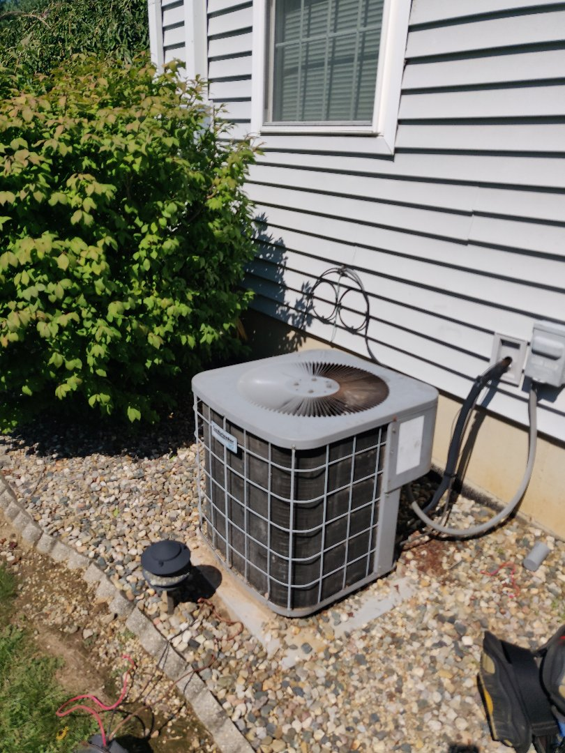 East Leroy, MI - Repair condenser fan motor on comfort maker ac unit.