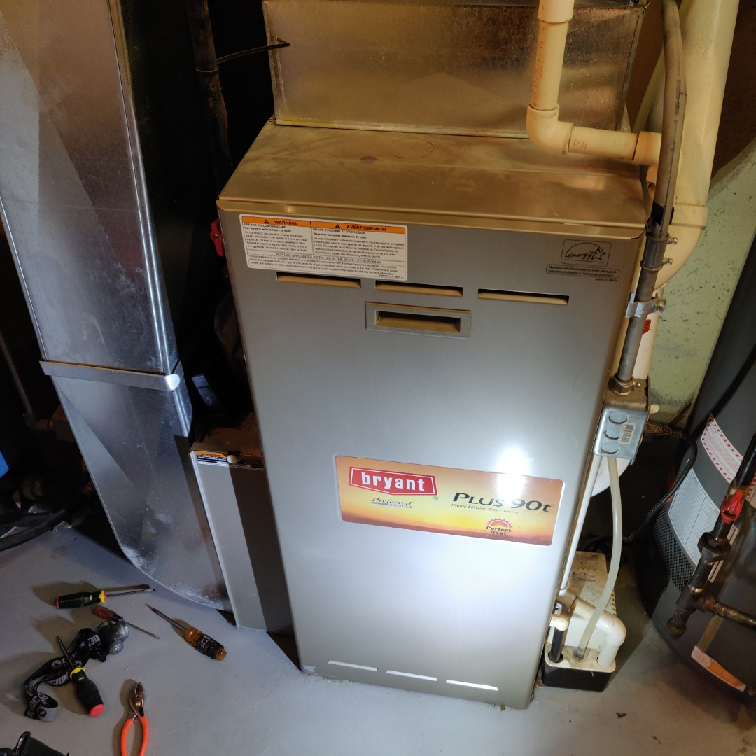 East Leroy, MI - Reset high limit, performance tune up no heat call bryant furnace.