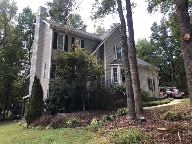 Clayton, NC - This roof was APPROVED by the insurance company for storm damage. We replaced the roof in September 2019 with GAF Timberline HD Architectural Shingles in Charcoal. Looks fantastic!