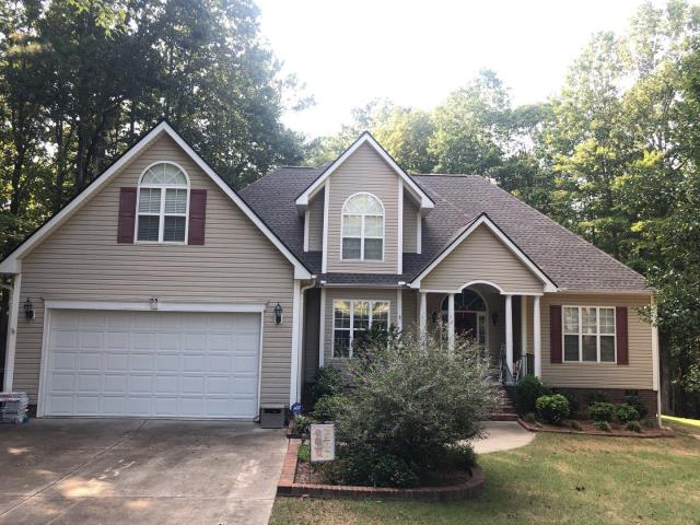 Clayton, NC - We replaced this roof in September 2019 with an APPROVED storm damage claim through insurance. We used GAF Timberline HD Architectural Shingles in Weathered Wood.