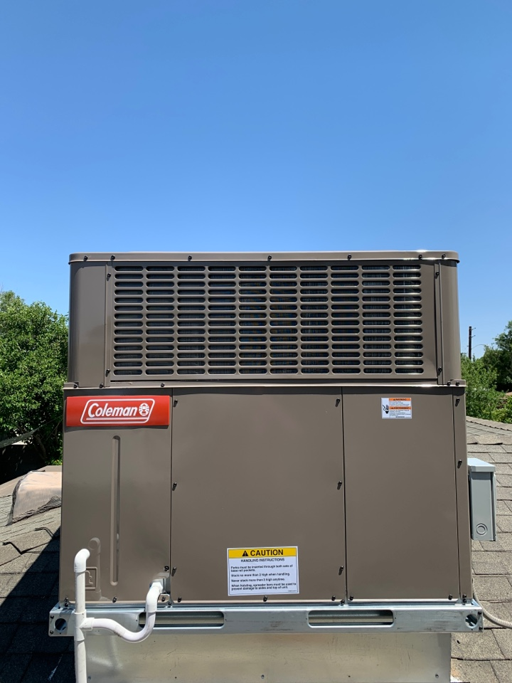 Phoenix, AZ - Newly installed 16 seer Coleman package heat pump at rooftop.  This family is ready for summer in Central Phoenix