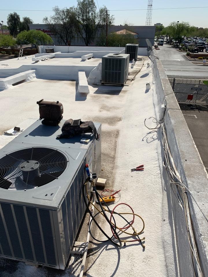 Phoenix, AZ - Check up on 3 package heat pumps.