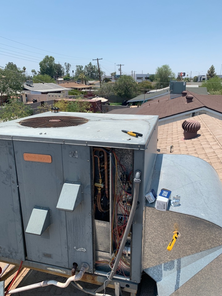 Phoenix, AZ - Getting a Goodman package heat pump up and cooling during this heatwave.   Air conditioning unit back up and running