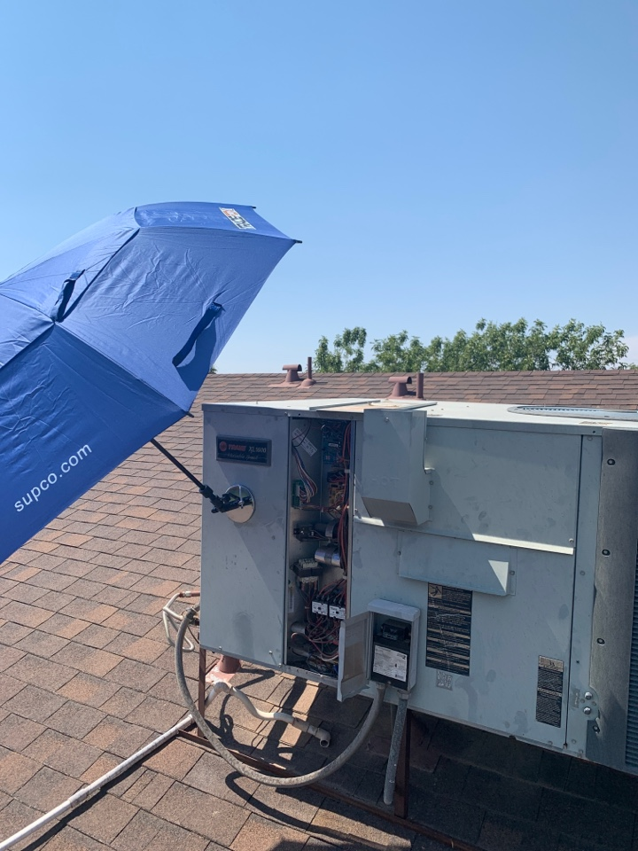 Phoenix, AZ - Getting a Trane package heat pump back up and cooling. Nothing like getting a customers air conditioning back online when it's a 115 outside