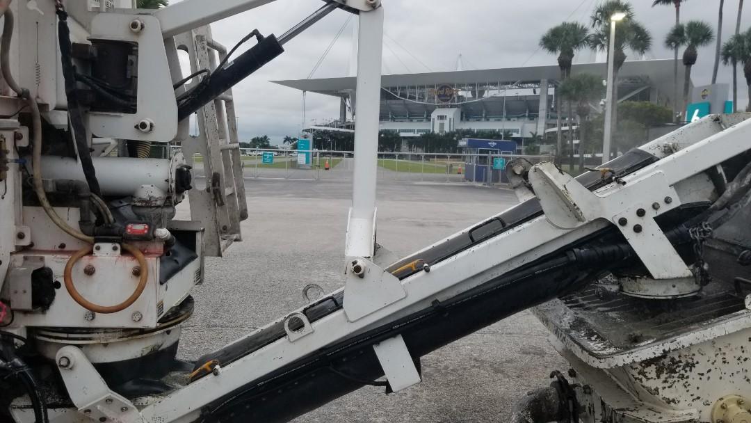 Miami Gardens, FL - Pumpmix at the stadium