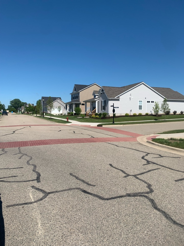 Rockford, MI - Spraying this entire complex for ants