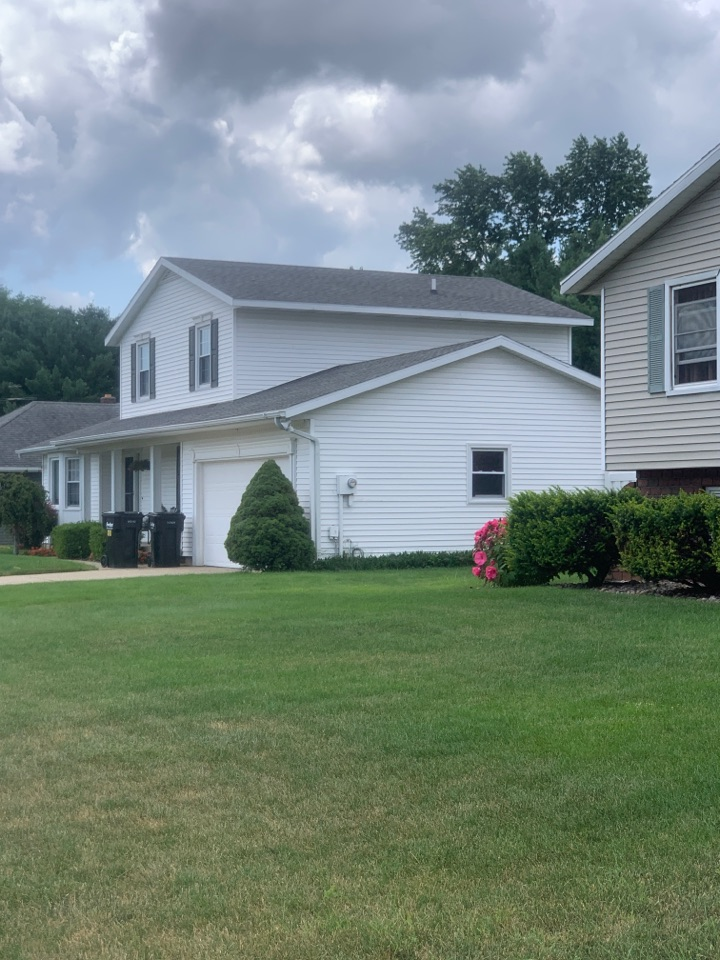 Georgetown Township, MI - Just got done doing a termite inspection for this house here in Jenison Michigan. I didn't find any sign of termite activity or damage.