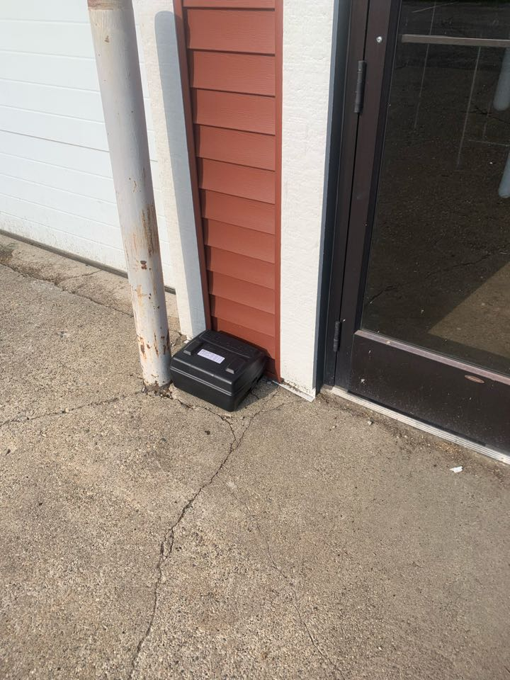 Grand Rapids, MI - Controlling pests like mice and rats from getting into commercial properties.