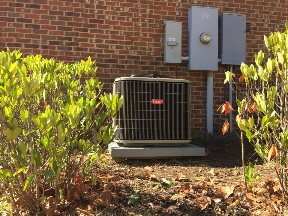 Hoover, AL - Hoover customer had a bad trane heat pump compressor. Replaced outdoor unit with a Bryant heat pump