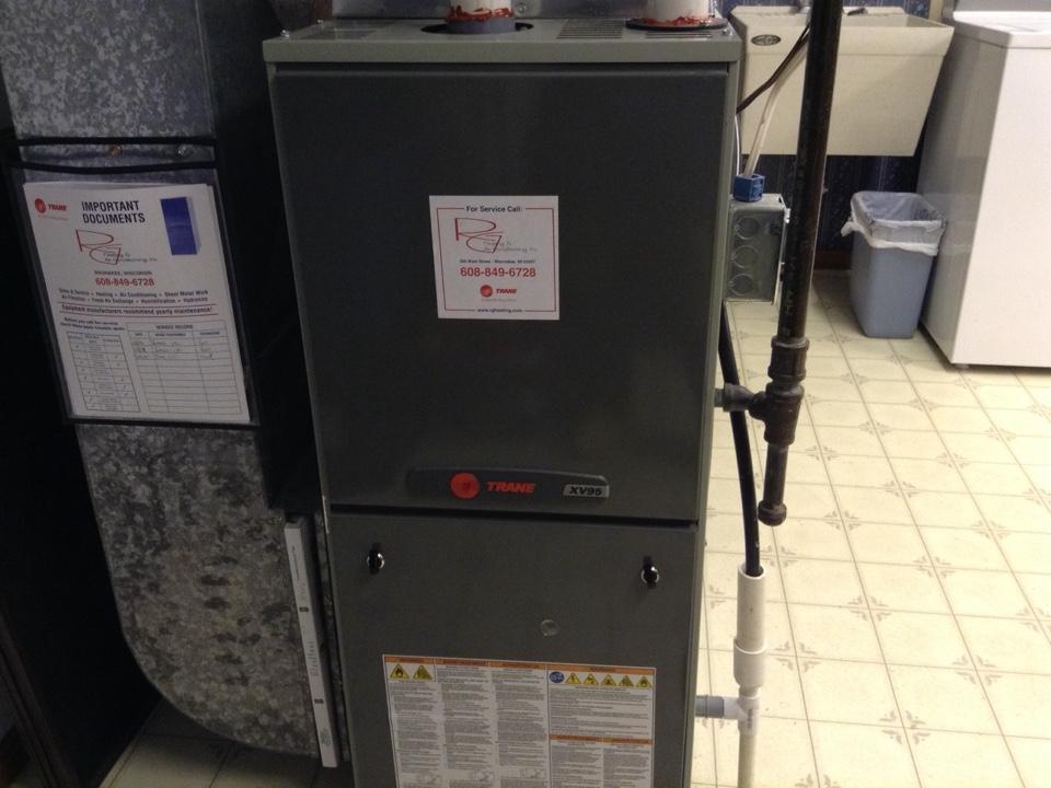 Prairie du Sac, WI - Furnace maintenance on Trane furnace