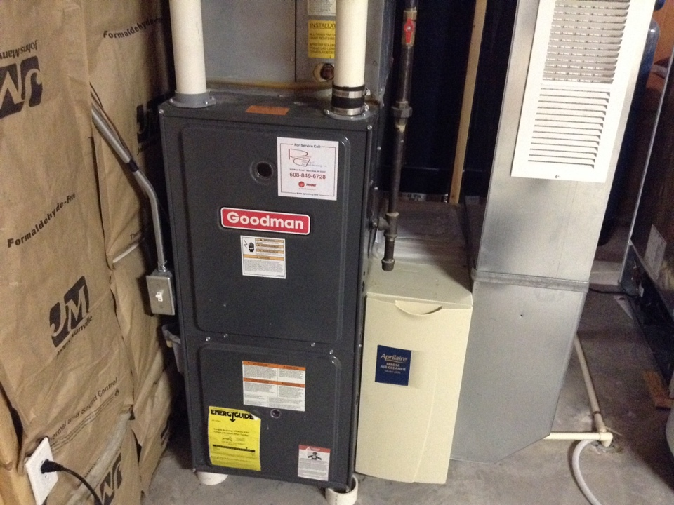 Cottage Grove, WI - Furnace maintenance on Goodman furnace