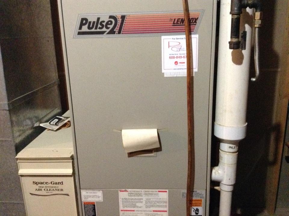 Prairie du Sac, WI - Furnace maintenance on Lennox pulse