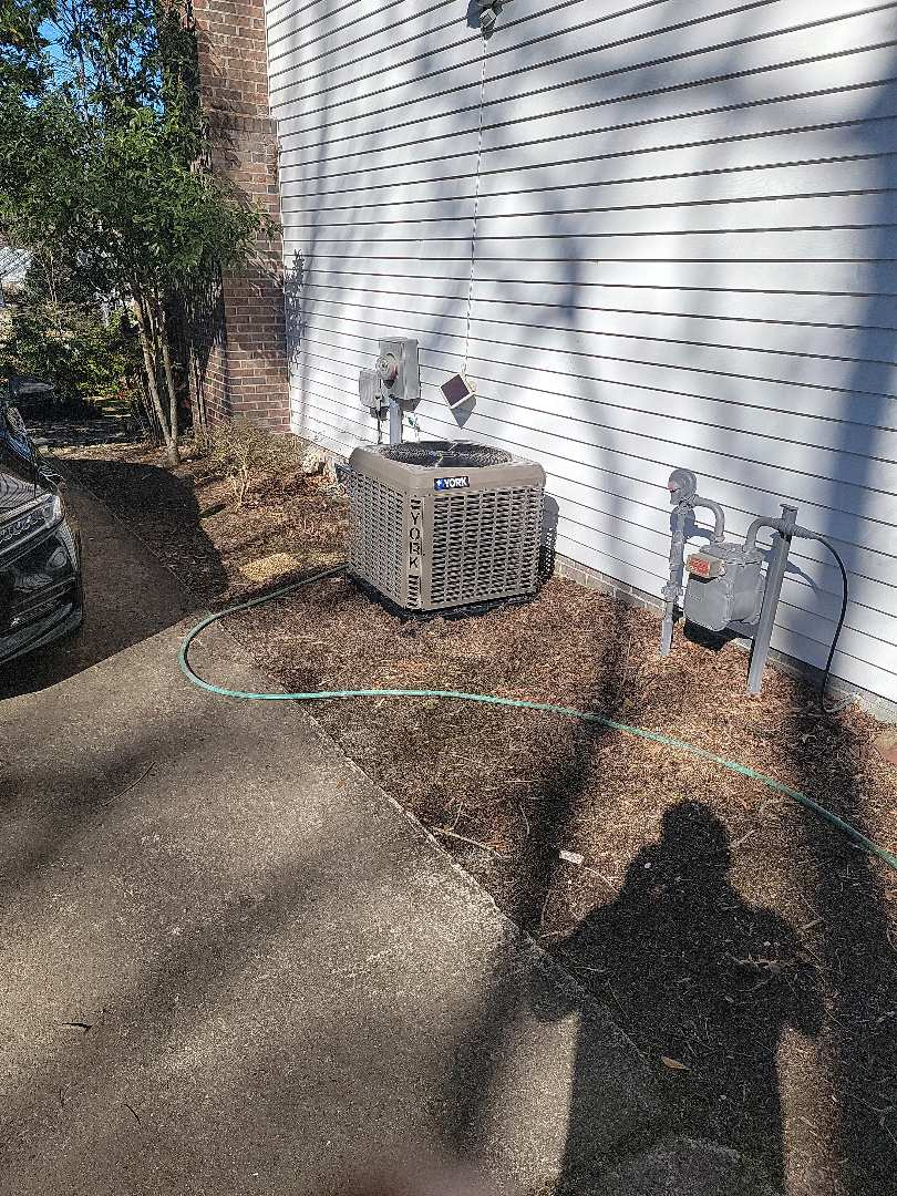 Greer, SC - Install 17 seer air conditioner with 97% gas furnace and added a return for proper air flow