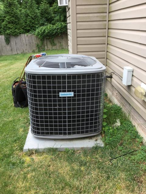 White Marsh, MD - Working on an Air Conditioner Service for a great family in White Marsh.