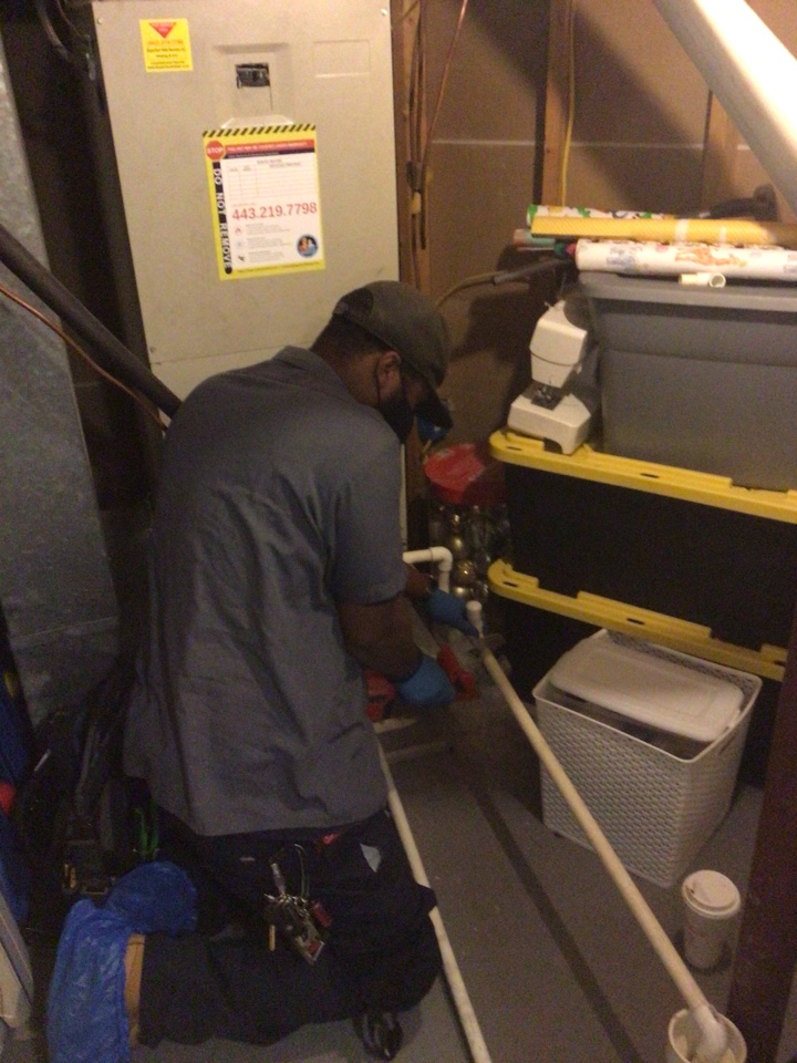 Nottingham, MD - Sweating ductwork