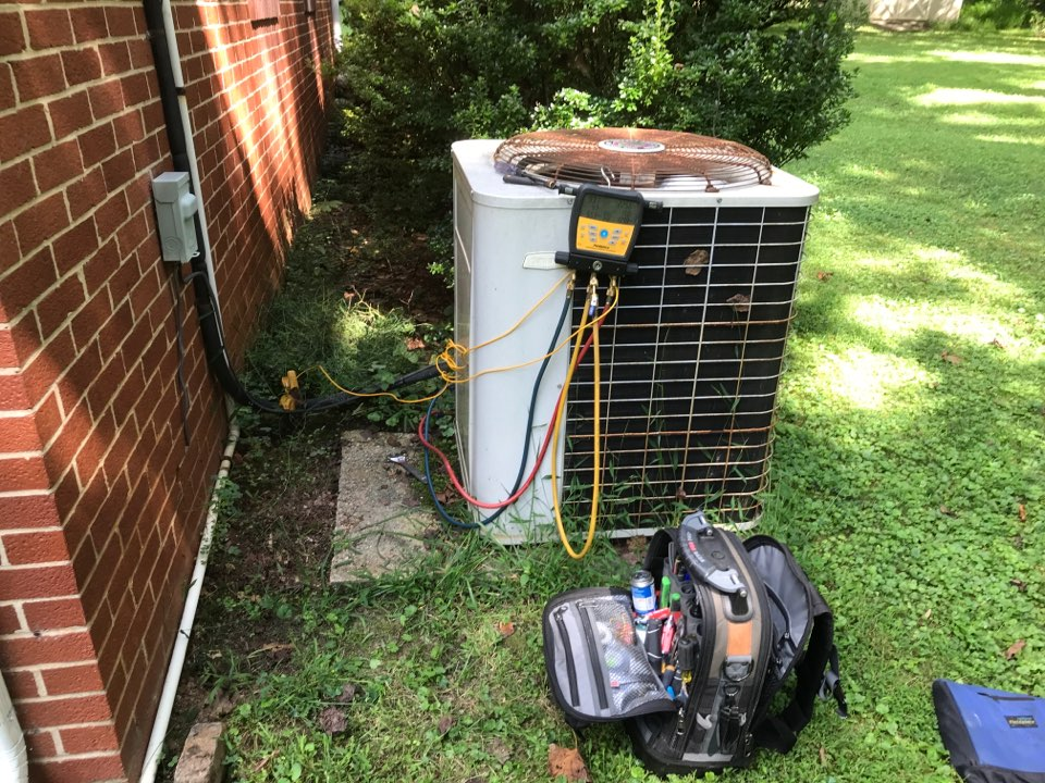We found 28 year old Goodman AC has a clogged drain line and clogged, dirty air filter.
