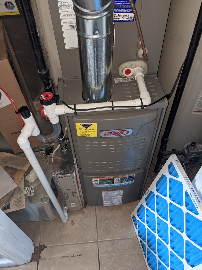 Charlie changed a 16x25x1 furnace filter for a Lennox Gas Furnace.