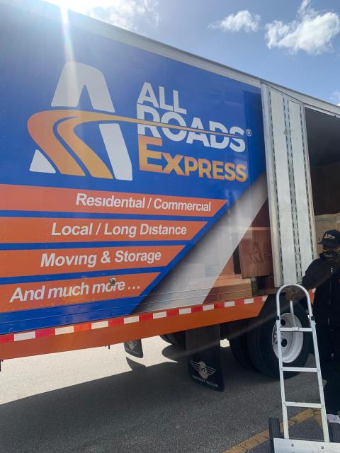 Kissimmee, FL - Picking up our client household heading to the Las Vegas NV area with our long distance dept  Packing Beds and boxes while preparing for cross county move.