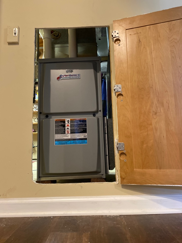 Cudahy, WI - Furnace install. First choice comfort system 90% furnace.