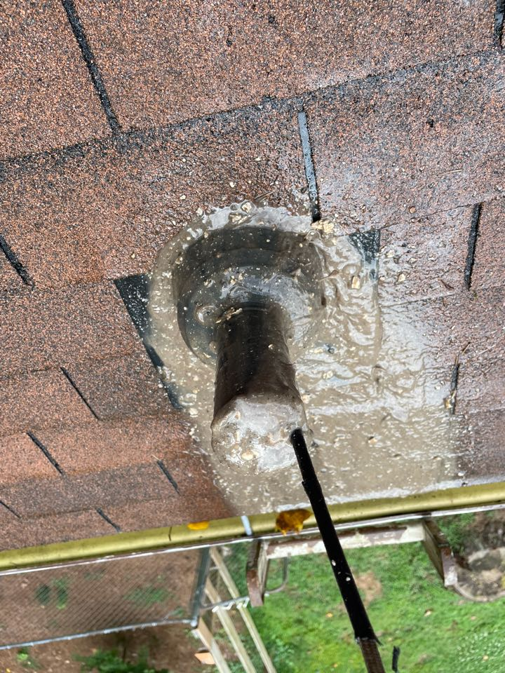 Marietta, GA - Just finished getting roof vent for kitchen sink heavy grease cloud we got it cleared