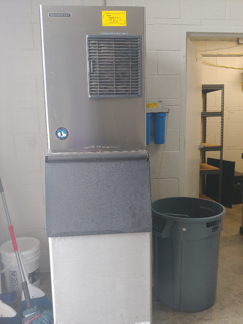 Pearland, TX - Ice machine maintenance