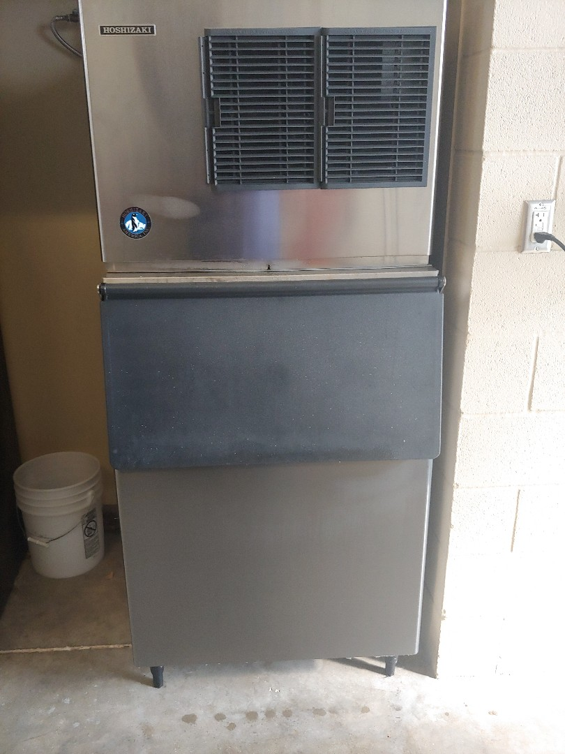 Pearland, TX - Ice machine maintenance and repair .