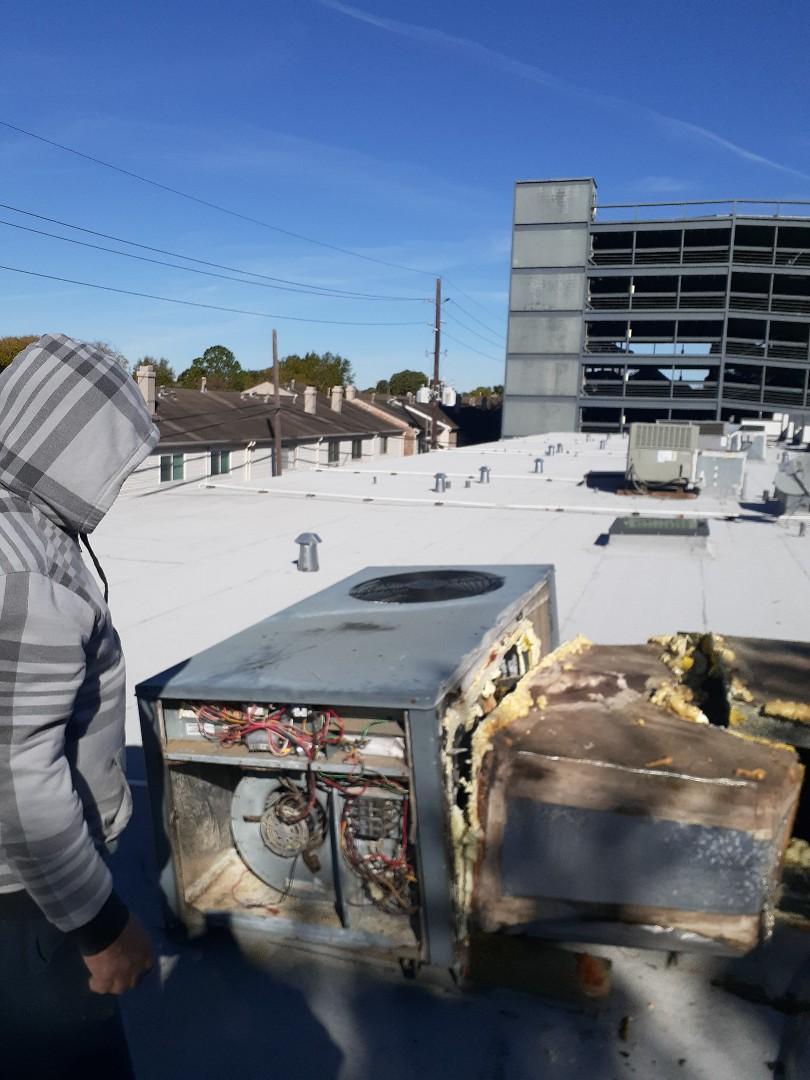Houston, TX - Repair leaking AC ductwork