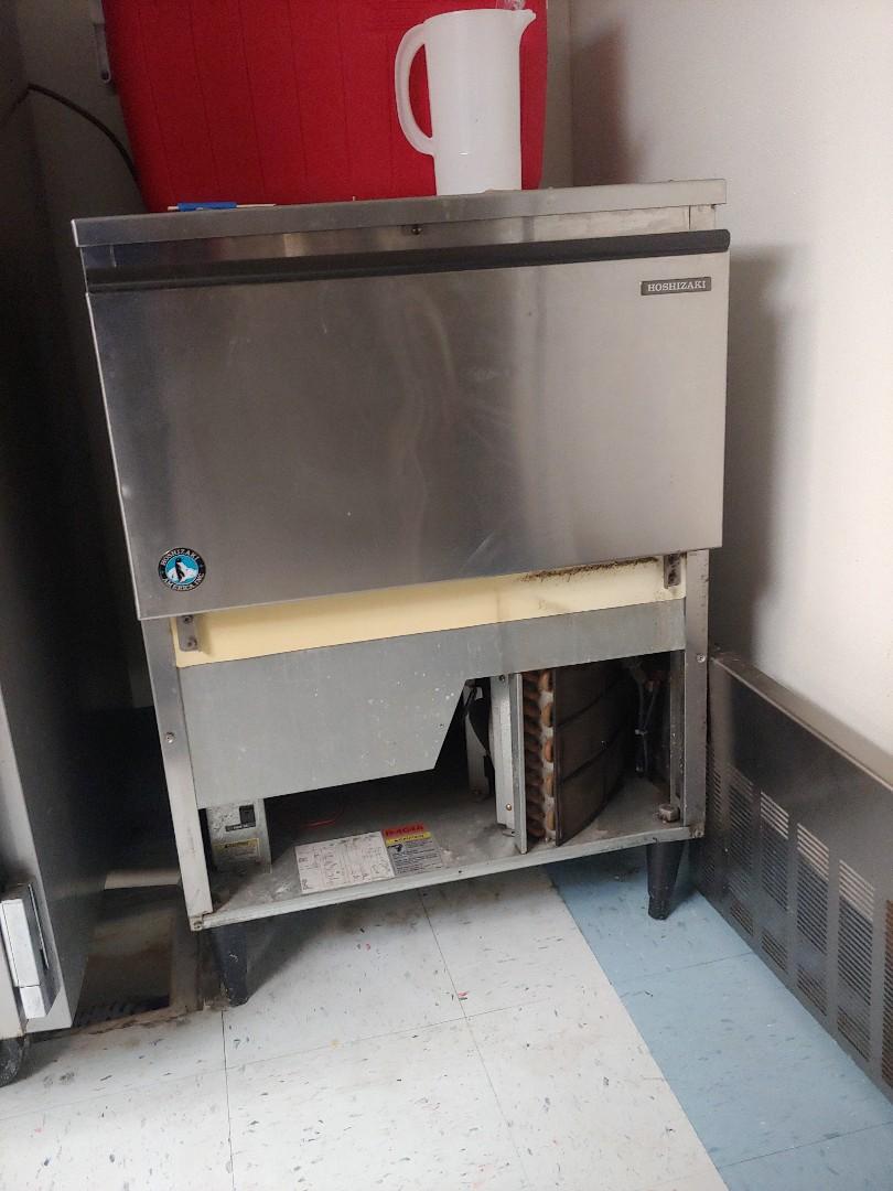 Houston, TX - Hoshizaki ice machine maintenance cleaning and new water filters