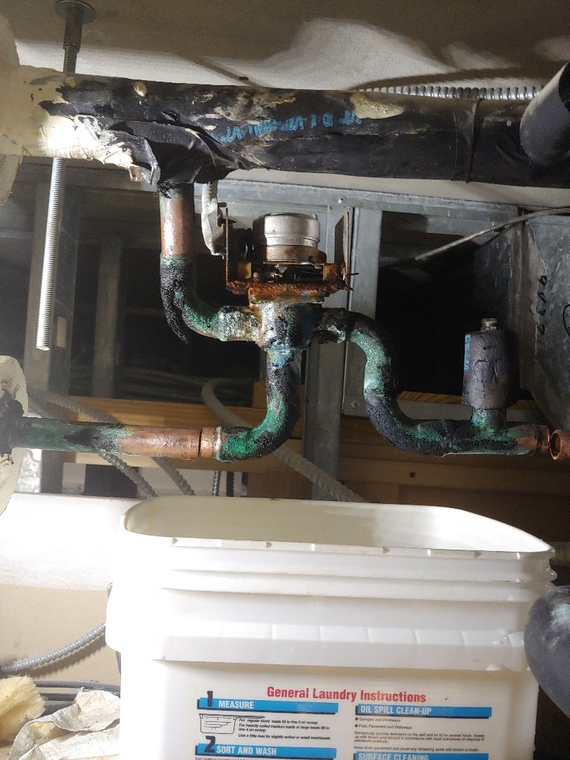 Houston, TX - Replacing chill water valve