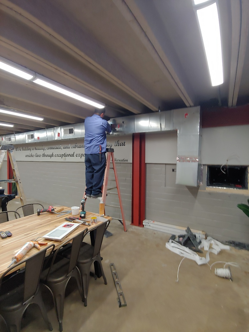 Pearland, TX - Installing new ductwork