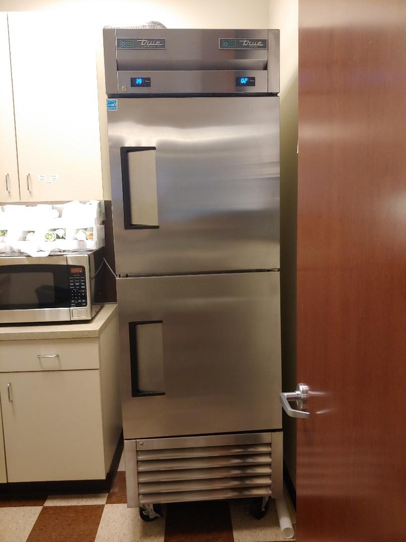Houston, TX - Maintenance on a True commercial freezer /refrigerator