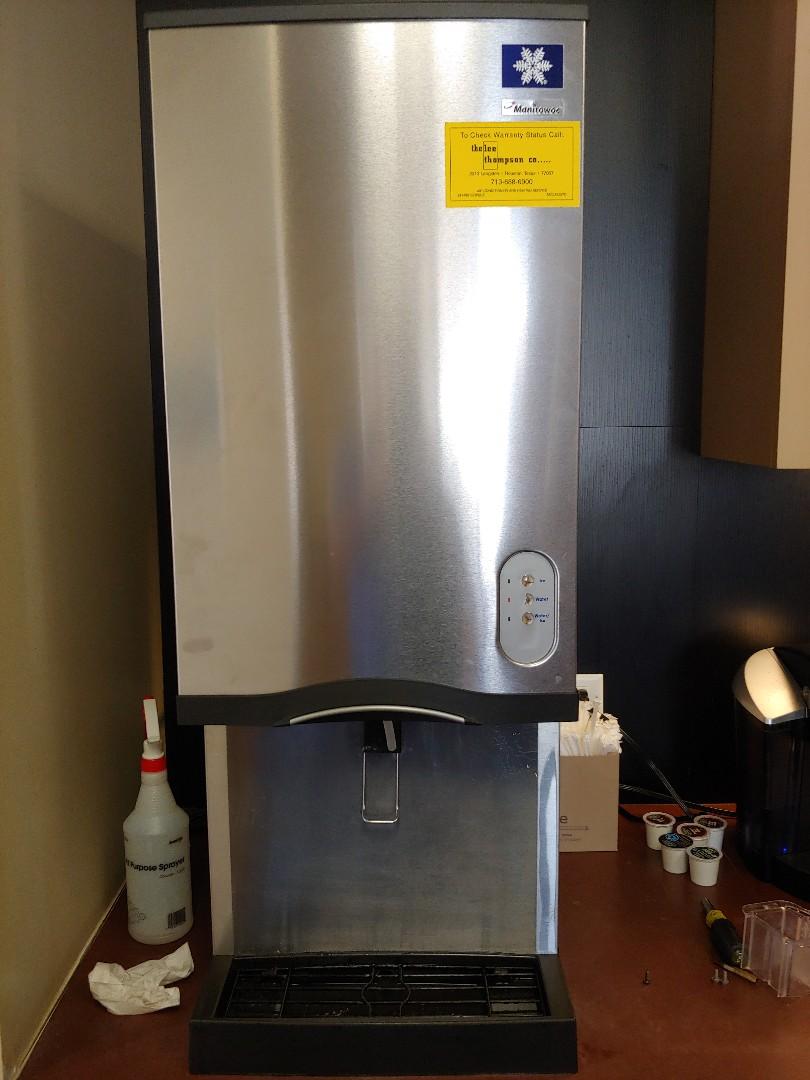 Houston, TX - Maintenance on Manitowoc (Sonic restaurant type) ice and water machine