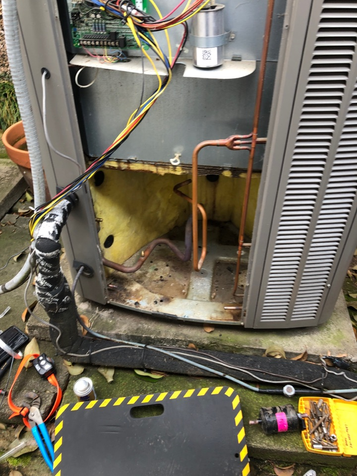 Houston, TX - Performed compressor replacement for hvac system.